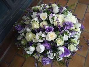fleurs deces pour vos condoleances st tropez deuil foret With chambre bébé design avec couronne de fleurs deces