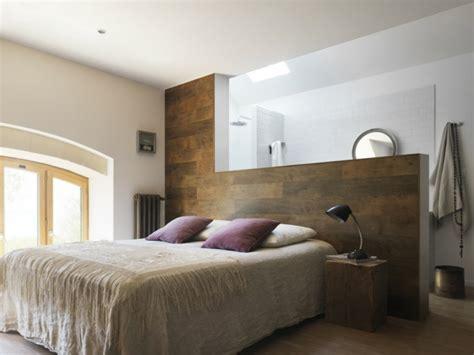 panneau de chambre 30 idées pour le revêtement mural bois