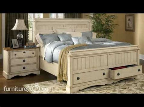 Colored bedroom furniture, antique white distressed