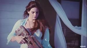 Lana Del Rey, High By the Beach | Traduzione | Testo | Video