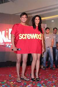 Provocative clothing by Mallika Sherawat and Vivek Oberoi ...