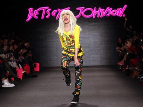 best font designers world s top 10 most popular fashion designers