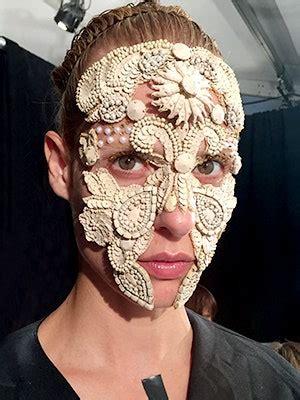details   amazing masks  givenchy allure