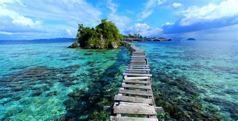beautiful beaches  indonesia compulsory visited