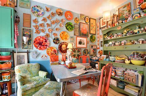 embrace  maximalist decor style   reign