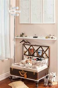 8 adorable designer spaces for dogs for Dog room furniture