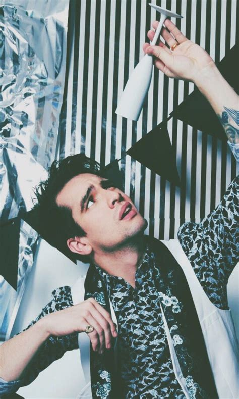 Aesthetic Brendon Urie Wallpaper Iphone by Brendon Urie Wallpaper Best Wallpaper Foto In 2019