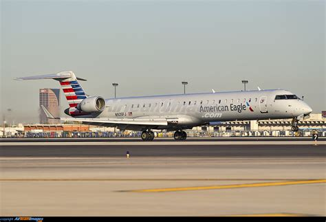 Bombardier CRJ-900 - Large Preview - AirTeamImages.com