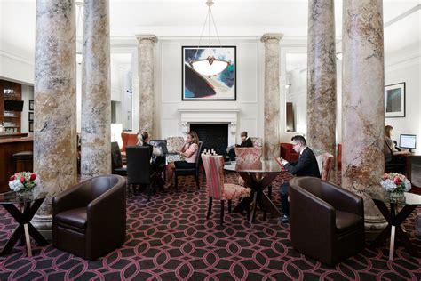 livingroom club club quarters hotel midtown manhattan business hotel nyc