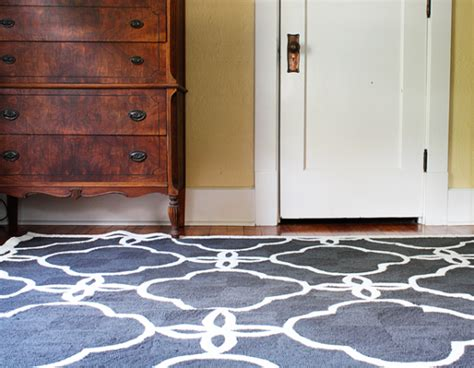 area rugs   hardwood floors