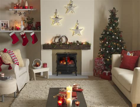 cosy christmas activities  enjoy  front   fire