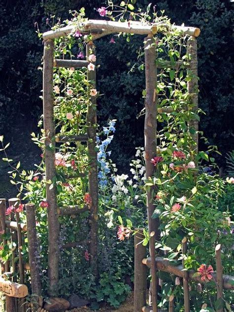 Holzbogen Garten