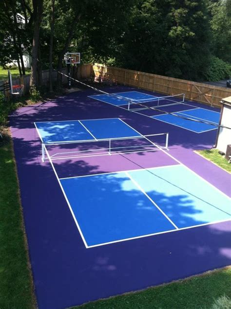 pickleball  played   tennis court