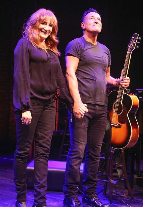 Jennifer Lopez Alex Rodriguez Visit Bruce Springsteen