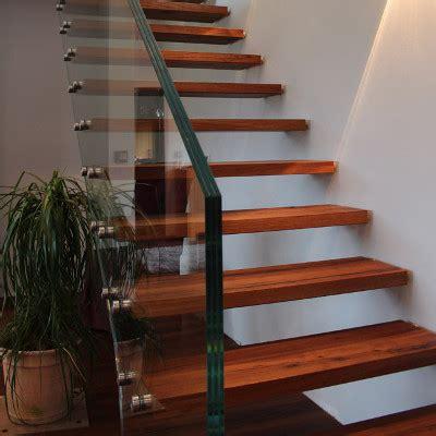 treppengeländer aus glas ma 223 gefertigtes treppengel 228 nder aus glas meitinger glas m 252 nchen garching