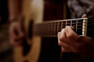 Learn Guitar Tips: Various Ways to Learn How to Play an ...