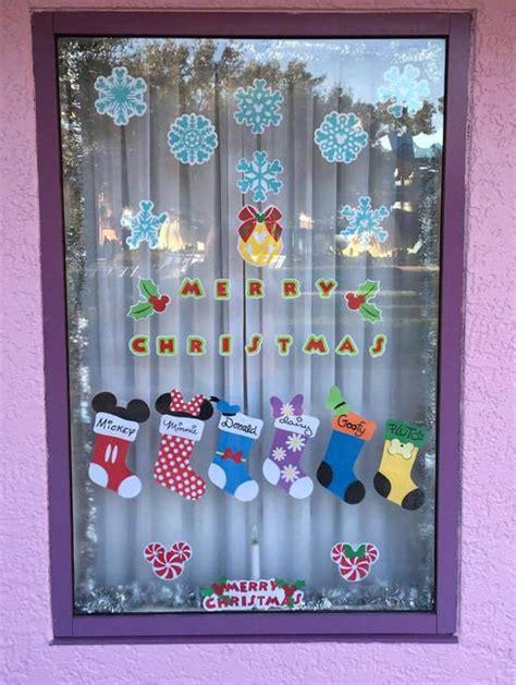 40 Stunning Christmas Window Decorations Ideas All Home Decorators Catalog Best Ideas of Home Decor and Design [homedecoratorscatalog.us]