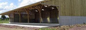 Hangar Metallique En Kit D Occasion : batiment agricole et hangar en bois pas cher le sp cialiste du batiment bois le b timent bois ~ Nature-et-papiers.com Idées de Décoration