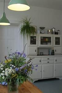 Omas Altes Küchenbuffet : die alte k chenanrichte aus den 30ern erstrahlt in neuem glanz nebst ~ Orissabook.com Haus und Dekorationen