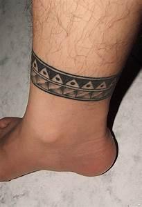 Tatouage Homme Cheville : bracelet cheville beautiful tattoos pinterest tatouage homme tatouage and tatouage homme ~ Melissatoandfro.com Idées de Décoration