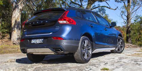 Review Volvo V40 Cross Country by 2015 Volvo V40 Cross Country Review Caradvice