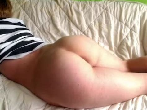 18 Year Old Twink Teases His Ass On Webcam