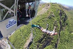 Queenstown Nevis Bungy Jump and Swing - A Travellers Guide ...