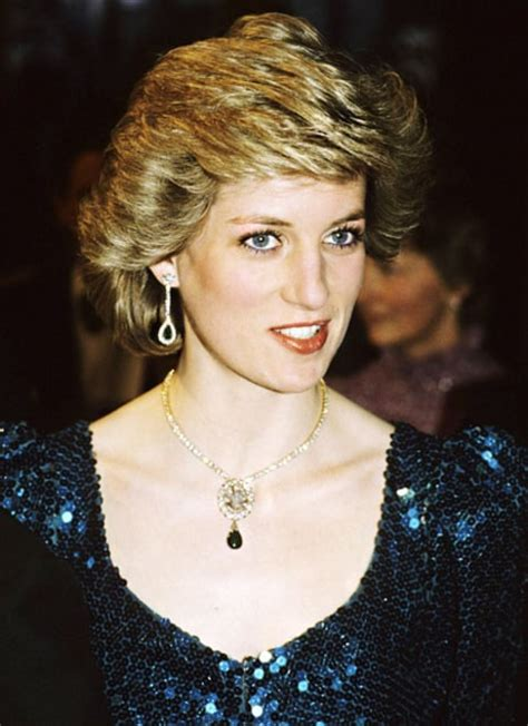 First Pic See Naomi Watts As Princess Diana On Film Set
