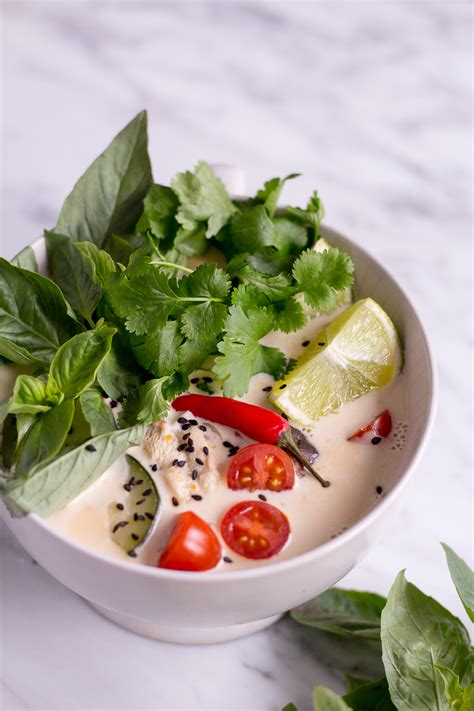 tom kha suppe thai coconut soup tom kha veggie heavenlynn healthy