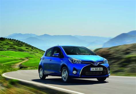 Toyota Yaris Wallpapers by Toyota Yaris 2015 Car Wallpapers Xcitefun Net