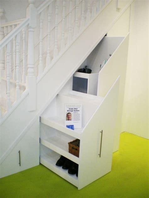 placard sous escalier ikea maison design goflah