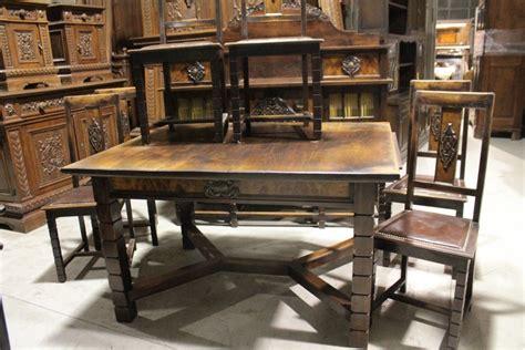 lada da tavolo antica antica vetrina credenza con tavolo e sedie d epoca inizi