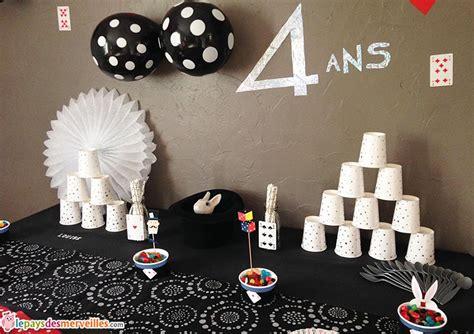 parce qu avoir 4 ans c est un peu magique anniversaire th 232 me magie 176 176 le pays des