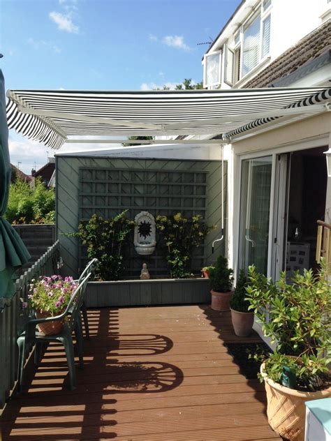 retractable awnings  essex