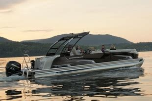 Pontoon Boats In Canada by Aluminum Pontoon Boats For Sale Princecraft Canada