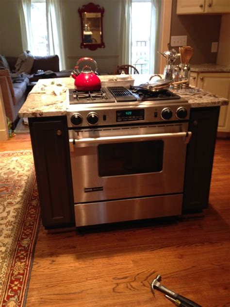 kitchen island with built in stove kitchen island new granite countertops built in stove 9424