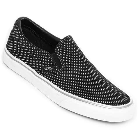 Tenis Vans Classic Slip-On - Negro y Blanco