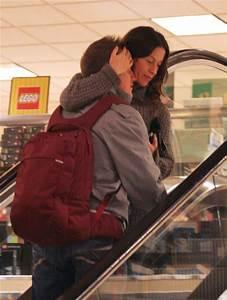 Alanis Morissette Photos Photos - Alanis Morissette ...