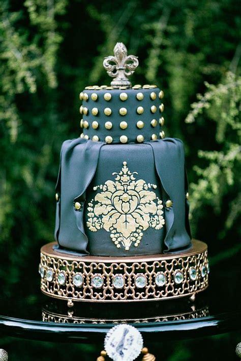 emerald  gold wedding colour  vintage wedding theme