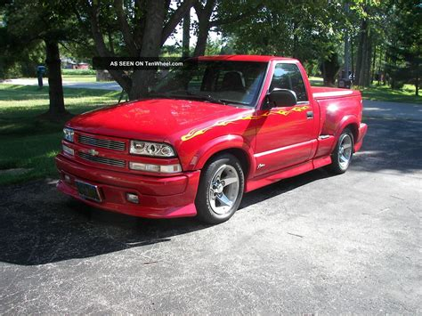 Chevy S10 Extremes by 2003 Chevy S10 Turbo Gray