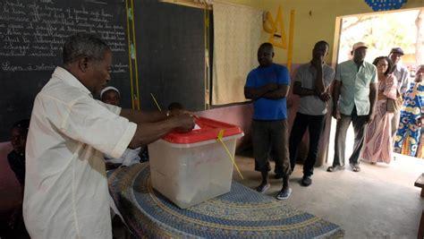 fermeture bureau de vote bordeaux pr 233 sidentielle au b 233 nin fermeture des bureaux de vote d 233 pouillement en cours rfi