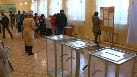 ouverture bureau vote crimée le vote sur le rattachement à la russie s 39 est ouvert
