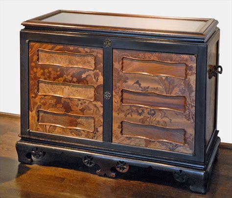 comment r 233 nover un meuble en bois