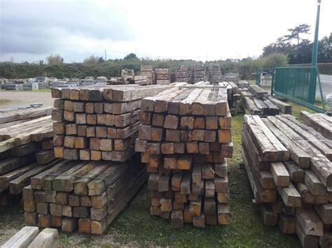 vieux bureau bois poutre vieux bois en chêne de récupération bca matériaux