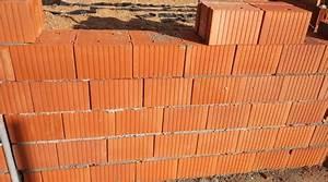 Cout Mur Parpaing : prix d 39 un mur en brique monomur co t de construction conseils utiles ~ Dode.kayakingforconservation.com Idées de Décoration