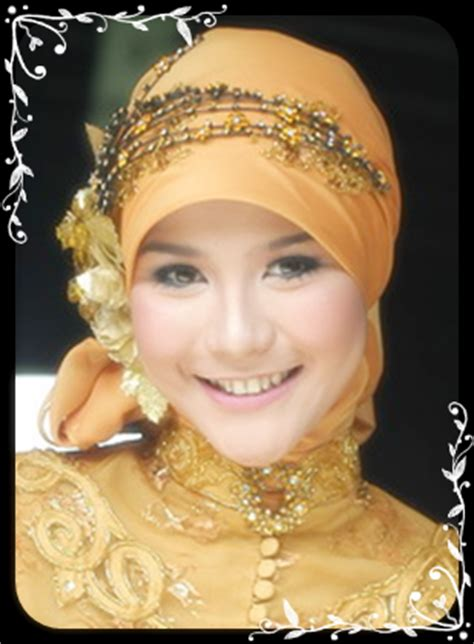 terbaru model jilbab wisuda  cantik