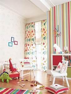 deco chambre enfant 77 idees qui vont vous inspirer With chambre bébé design avec fleurs en papier pour mariage