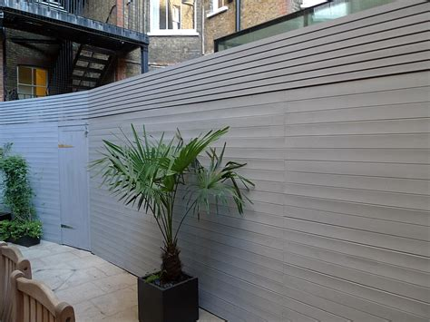 Grey Closed Board Fence And Privacy Screen Trellis Fulham