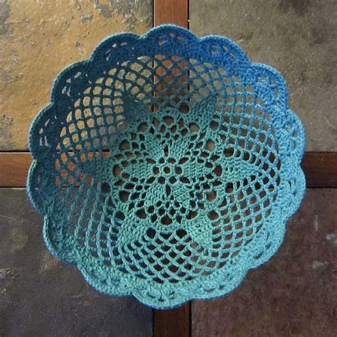 d馮lacer en cuisine lace bowl by permann from book crochet adorned free pattern via ravelry crochet tricot crochet corbeille et panier