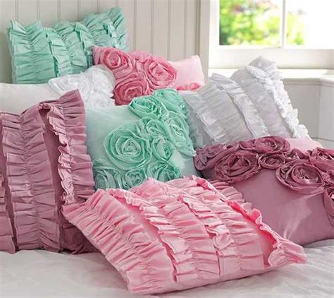 Decorative Pillow Ideas by 20 Decorative Pillows With Dresses And Flowers For